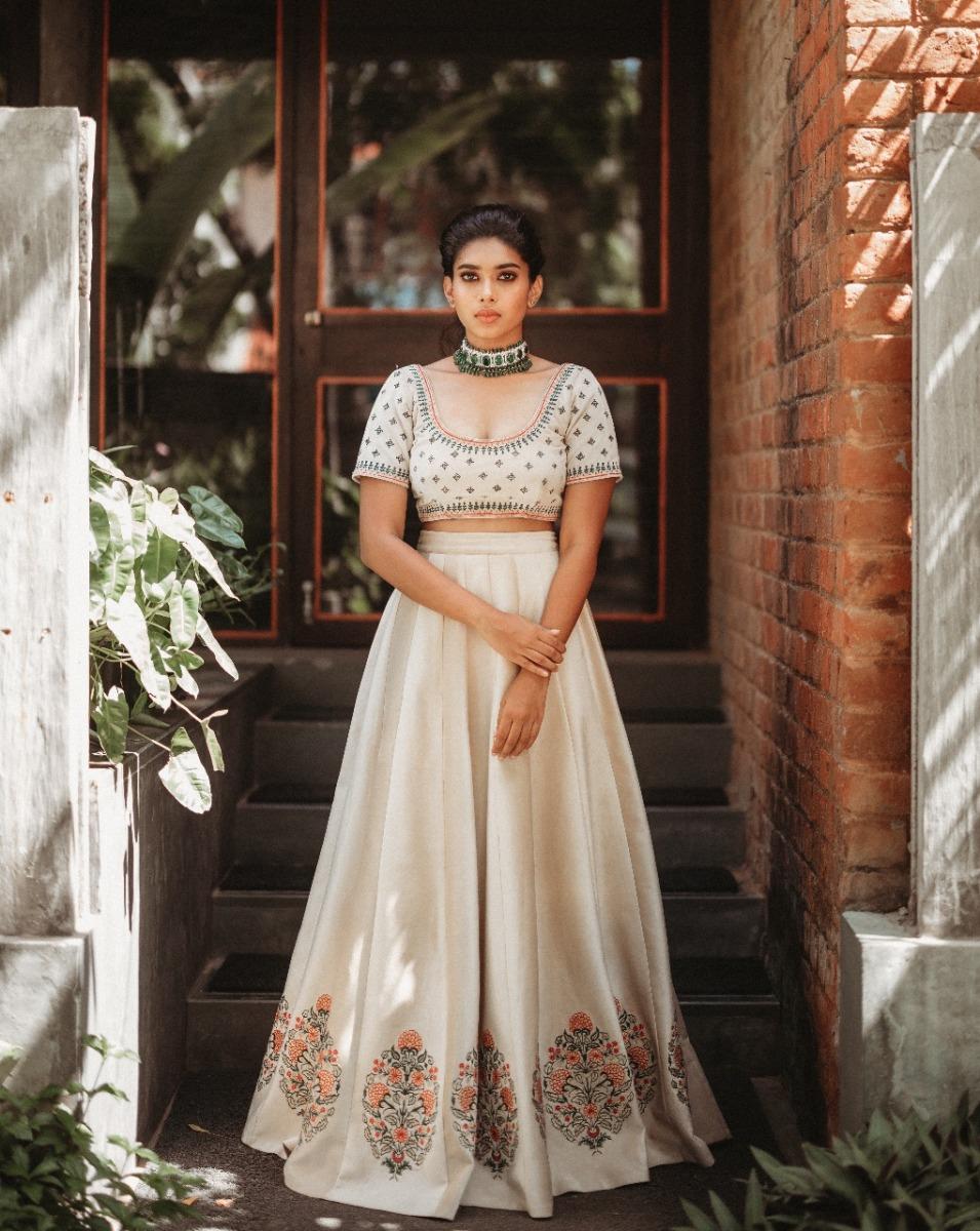 Actress-Dushara-Vijayan-2
